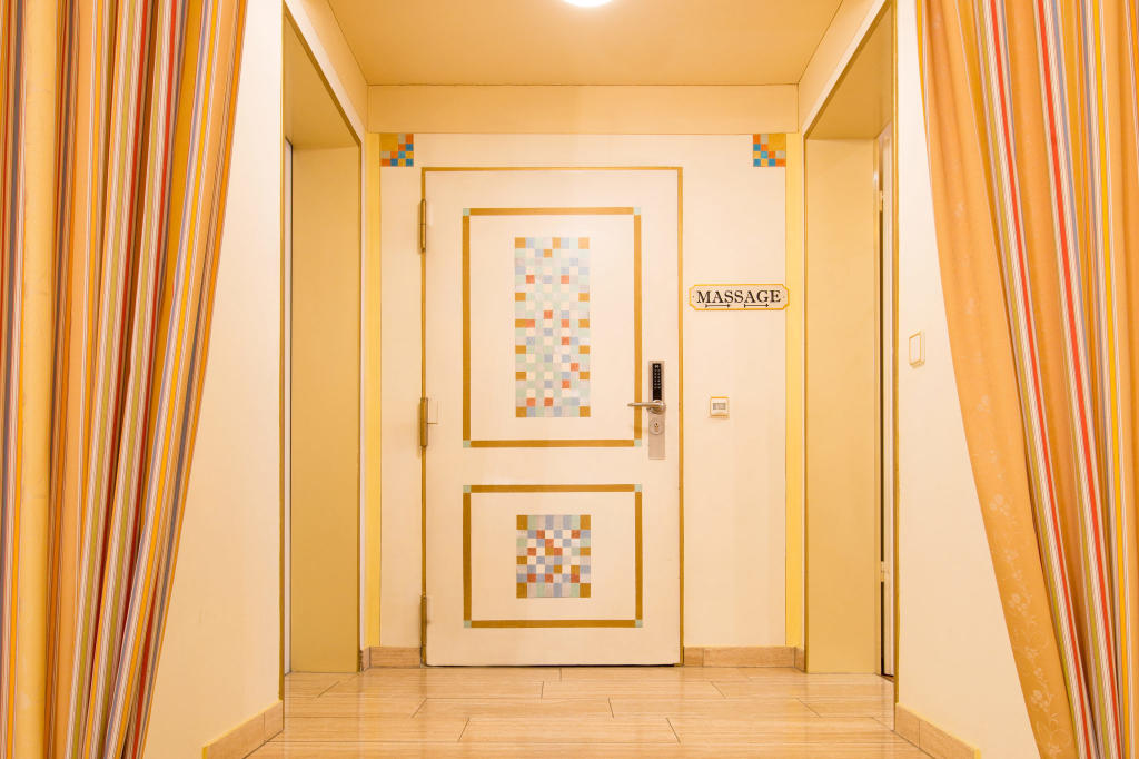AKZENT Hotel Altdorfer Hof Massage Raum